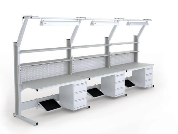 Три стола серии «Атлант», построенные в линию