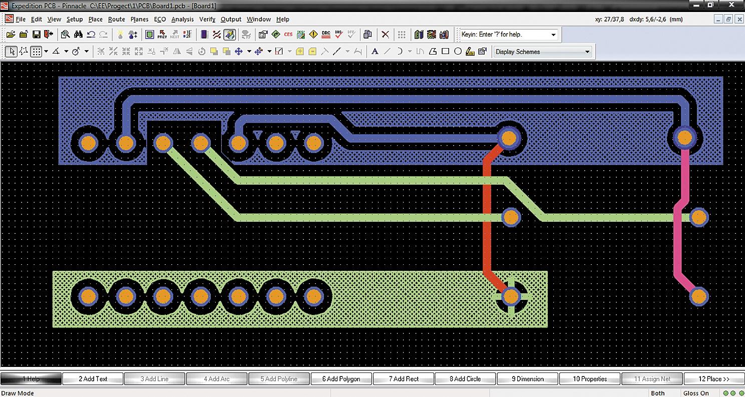 Пример проекта, в котором созданы две области металлизации, заполненные штриховыми линиями под углом 45°