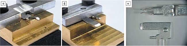 Снимки позолоченных образцов, а также исследованные конструкции контактов: а) покрытый оловом гнездовой контакт (базовая деталь); б) покрытый оловом контактный штифт (сопряженная деталь); в) серийное состояние контактов изначальной геометрии