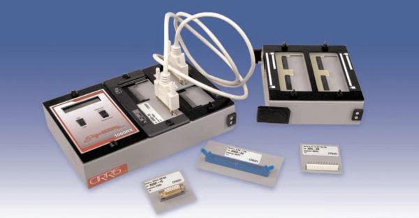 Низковольтный кабельный тестер Cirris Signature 1000RX: слева — базовый блок; справа — модуль расширения